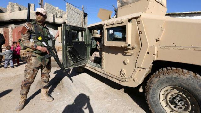 يشن الجيش العراقي حملة لاستعادة الموصل من تنظيم الدولة الإسلامية