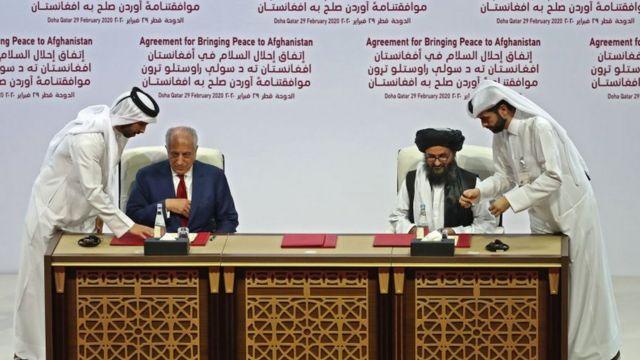 Спецпосланник США Халилзад подписывает договор с муллой Абдулом Гани Барадаром