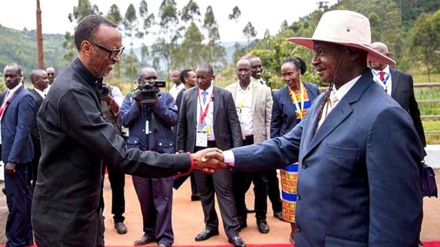 Prezida Paul Kagame na Yoweri Museveni bahuriye i Gatuna itariki 21/02/2020