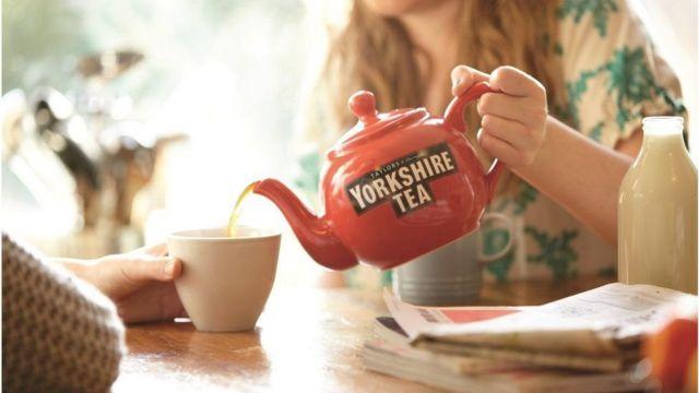 قصة نجاح شركة تنتج خمسة مليارات كيس شاي في العام