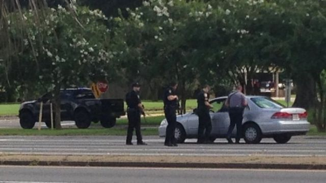 Policías en la calle de Baton Rouge