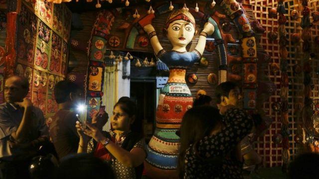 कोलकाता में दुर्गा पंडाल