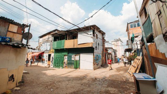 Casas na periferia de São Paulo