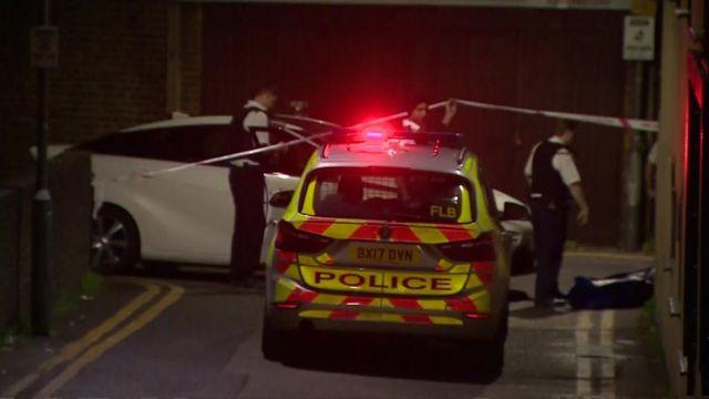 Seven Kings mosque: Man held after gun fired