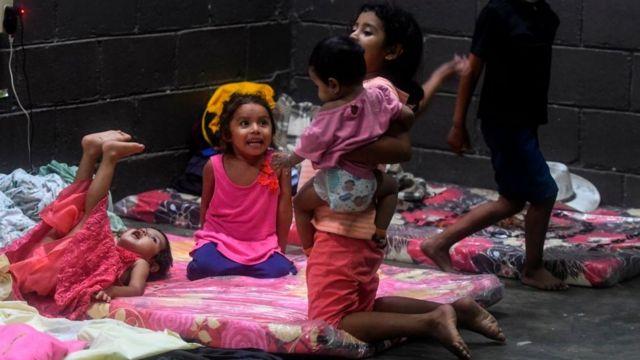 Niños en refugio de Tela, Honduras
