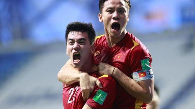 Đội tuyển Việt Nam hiện đang đứng đầu bảng sau 2 trận thắng Indonesia và Malaysia ở vòng loại thứ hai World Cup 2022 khu vực châu Á.