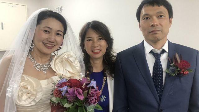 Cheiko Mitsui, Cheiko Date, y el marido de Cheiko Mitsui el día de su boda.