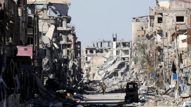 Ruinas en la ciudad de Raqqa