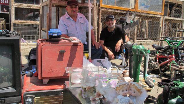 Məmmədəli adlı satıcının tədarükçüsü tez-tez ona müxtəlif mallar gətirir