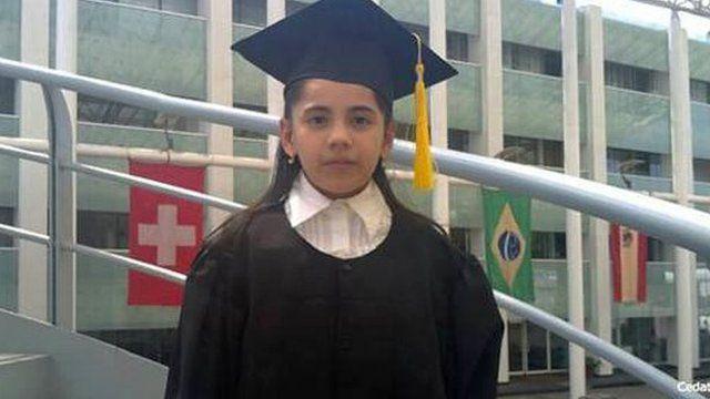 Dafne Almazán aos 13 anos, durante graduação no curso de psicologia
