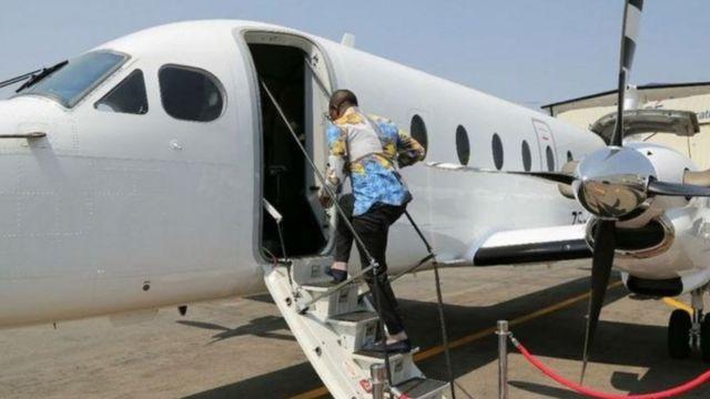Bushuri dey enta private jet