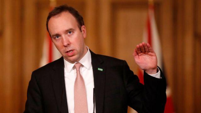 """Sağlık Bakanı Matt Hancock, vakalardaki artış nedeniyle önümüzdeki haftalarda Ulusal Sağlık Sistemi üzerindeki baskının artmasını beklediklerini ve otellerin devreye sokulmasının """"yedek plan"""" olarak düşünüldüğünü söyledi."""