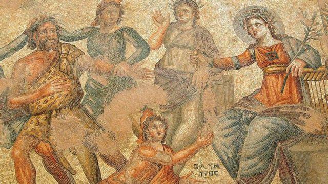 पाफोस शहर में हाउस ऑफ आयन की दीवार