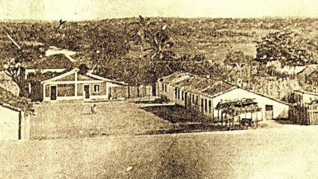 O povoado vivia da pesca, da agricultura de subsistência e da produção de farinha de mandioca