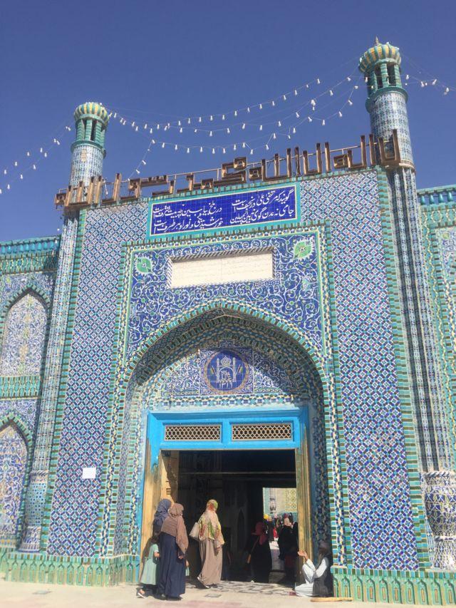 Голубая мечеть Мазар-и-Шарифа