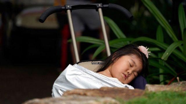 ઉંઘતી બાળકી