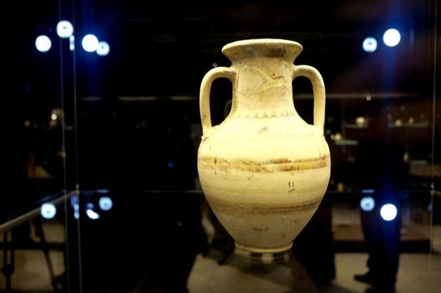 প্রাচীন ফুলদানী