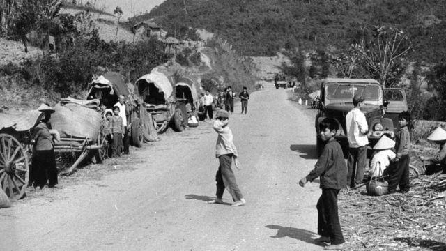 Cảnh một con đường ở Lạng Sơn năm 1979