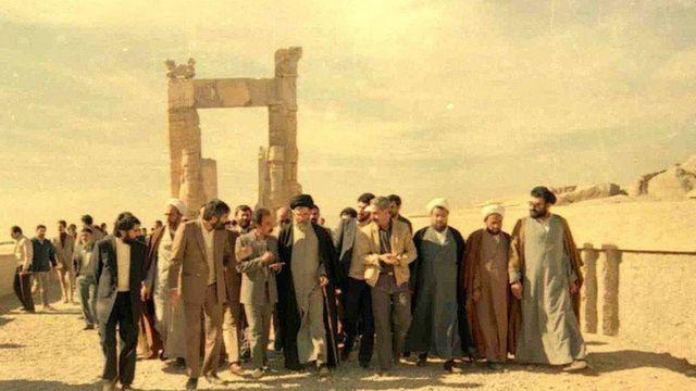 ۲۱ آذر سال ۱۳۶۷ ماههای پایانی ریاست جمهوری آقای خامنهای