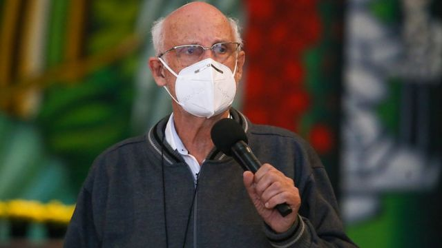 Padre Júlio Lancelotti em entrevista coletiva
