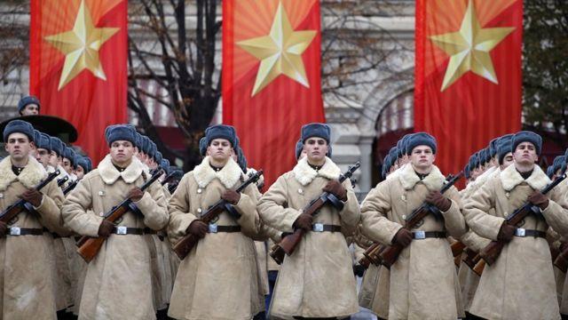 Mengenang 100 tahun Revolusi Bolshevik di beberapa negara ...