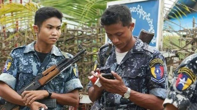 ရခိုင်မြောက်ပိုင်းမှာ လုံခြုံရေးချထားတဲ့ ရဲတပ်ဖွဲ့ဝင် တချို့