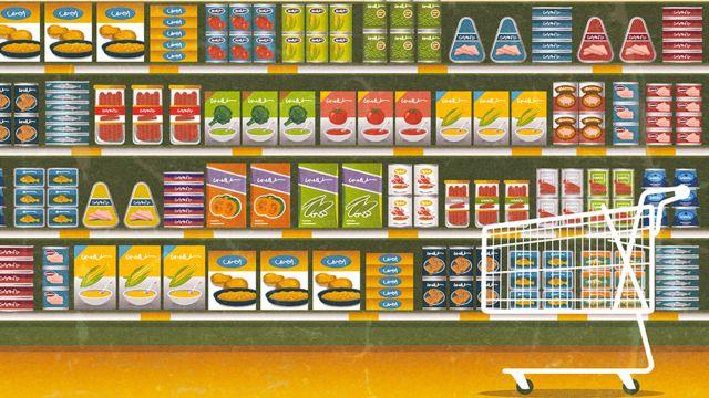 Ilustração de uma prateleira de supermercado repleta de produtos coloridos