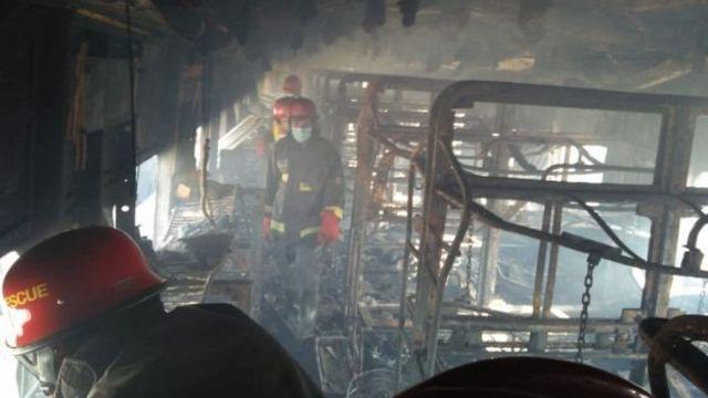 पाकिस्तान, चलती ट्रेन में लगी आग