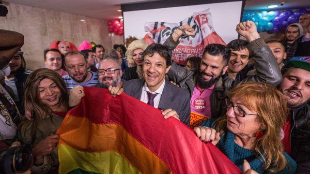 Prefeito Fernando Haddad durante evento LGBT em São Paulo