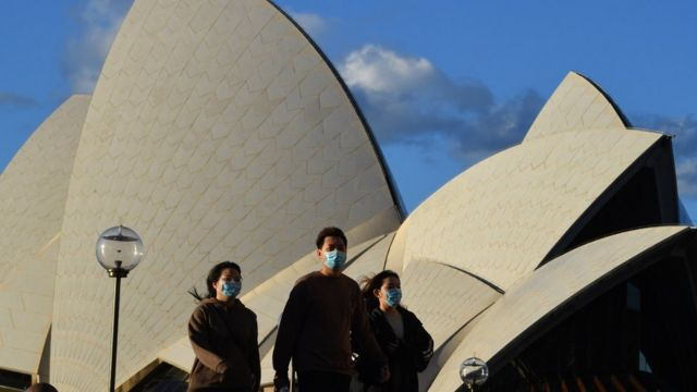 Outbreaks emerge across Australia in 'new phase' of pandemic - BBC News