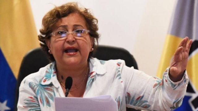 選管のルセナ委員長は第2段階の時期を発表していない(写真は1日に首都カラカスで会見したルセナ委員長)