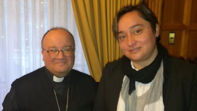 Elisa Fernández y Charles Scicluna.