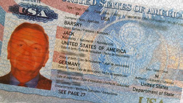 паспортная страница с фото Джека Барски