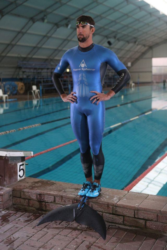 Michael Phelps con un monofin