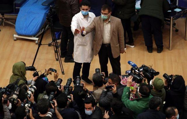 آغاز واکسیناسیون در بیمارستان امام خمینی