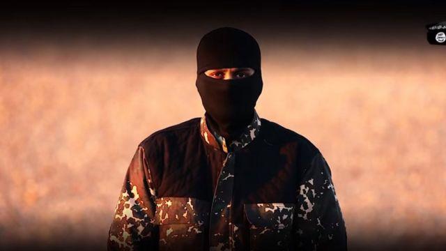動画に登場する覆面したIS戦闘員