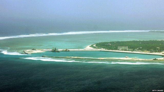 Isla en disputa en el Mar del Sur de China T
