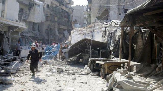 Hökumət qüvvələri ötən aydan Hələbin üsyançıların nəzarətində olan əraziyə hücuma başlayandan yüzlərlə insan öldürülüb