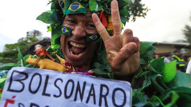 A supporters of Jair Bolsonaro in Rio de Janeiro. Photo: 28 October 2018