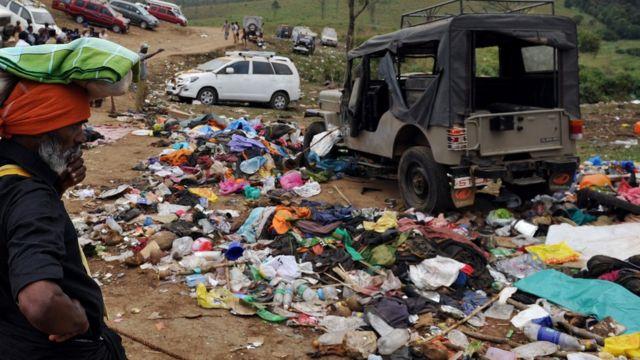 2011లో శబరిమల వద్ద తొక్కిసలాట