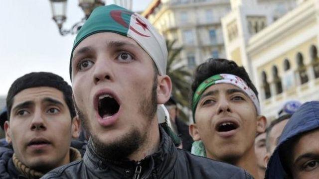 Les supporters algériens ont été déçus par les performances de l'équipe nationale durant ces dernières années.
