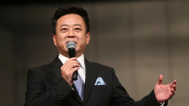 Television host Zhu Jun hosts a musical performance in Xian