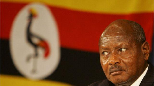 museveni, kagama, article, médias, journalistes, presse, kampala, kigali
