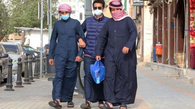 Arabs wear masks