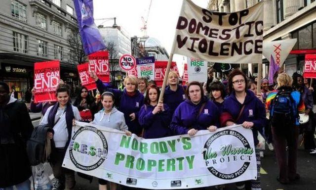Londra'da düzenlenen bir protesto gösterisi
