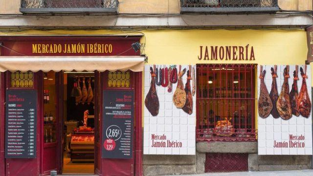 Loja de embutidos na Espanha