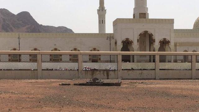 Kaburburan Shahidan Uhud
