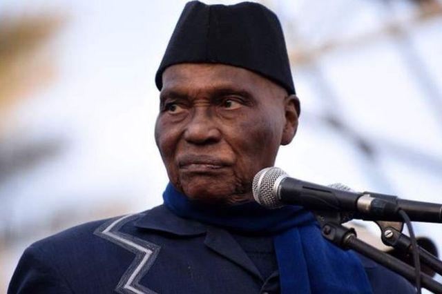 Abdoulaye Wade appelle à des manifestations pacifiques.