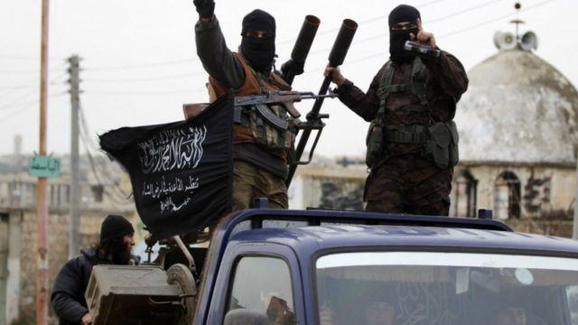 عناصر من هيئة تحرير الشام
