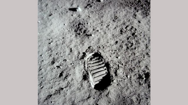 Знаменитый след ботинка астронавта на Луне